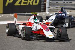 Nirei Fukuzumi, ART Grand Prix leads Steijn Schothorst, Campos Racing