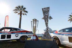 Peter Brock Trophy ve Pirtek Enduro Cup