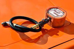 Brad Keselowski, Team Penske Ford, misuratore per pneumatici