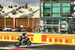 Jonathan Rea, Kawasaki Racing, remporte la course