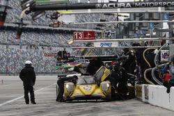 La #85 JDC/Miller Motorsports ORECA 07: Mikhail Goikhberg, Chris Miller, Stephen Simpson, Mathias Beche aux stands