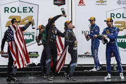 Podium: race winners Ricky Taylor, Jordan Taylor, Max Angelelli, Jeff Gordon, Wayne Taylor Racing, s