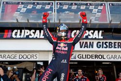 Yarış galibi Shane van Gisbergen, Triple Eight Race Engineering Holden