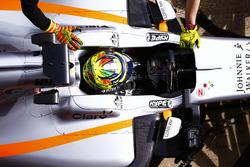 Sergio Pérez, Force India, en pit lane