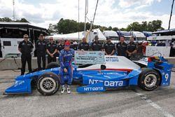 Scott Dixon, Chip Ganassi Racing Honda riceve il Firestone Pit Stop Performance Award