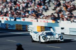 #22 Martini Racing Team Porsche 917K: Helmut Marko, Gijs van Lennep