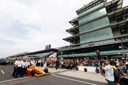Fernando Alonso, Andretti Autosport, Honda; beim offiziellen Qualifying-Bild nach dem Qualifying