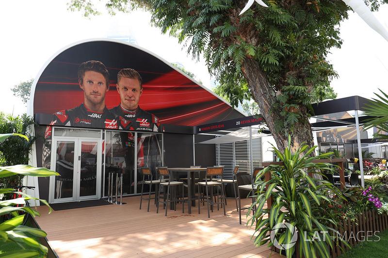 Haas F1 Team team building