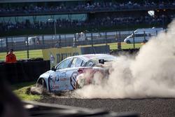 Aron Taylor-Smith, Triple Eight Racing MG Motor MG 6 GT crash
