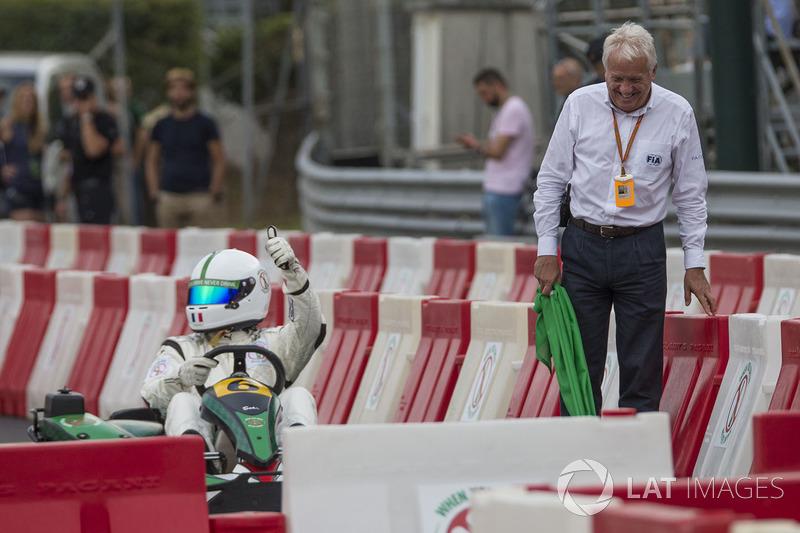 Karting y Charlie Whiting, delegado de la FIA