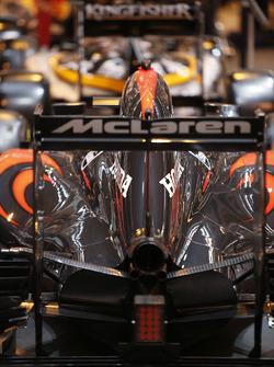 Заднее антикрыло McLaren