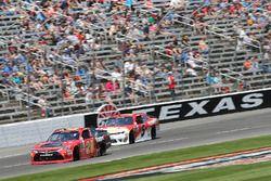 Erik Jones, Joe Gibbs Racing Toyota Michael Annett, JR Motorsports Chevrolet