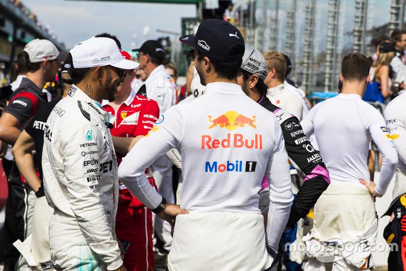 Lewis Hamilton, Mercedes AMG F1; Kimi Räikkönen, Ferrari; Daniel Ricciardo, Red Bull Racing; Sergio Perez, Force India