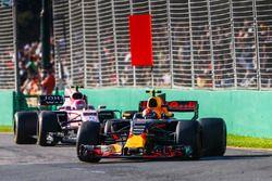 Max Verstappen, Red Bull Racing RB13, leads Esteban Ocon, Force India VJM10