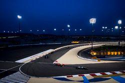 Valtteri Bottas, Mercedes F1 W08, Sebastian Vettel, Ferrari SF70H, Lewis Hamilton, Mercedes AMG F1 W