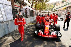 Kimi Raikkonen, Ferrari SF70H, on pole position
