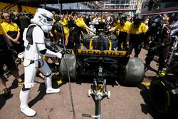 A Star Wars Storm Trooper gets involved, a Renault Sport F1 Team pit stop