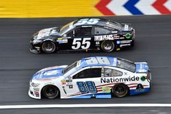 Dale Earnhardt Jr., Hendrick Motorsports Chevrolet, Derrike Cope, Premium Motorsports Toyota
