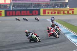 Jonathan Rea, Kawasaki Racing; Marco Melandri, Ducati Team; Tom Sykes, Kawasaki Racing