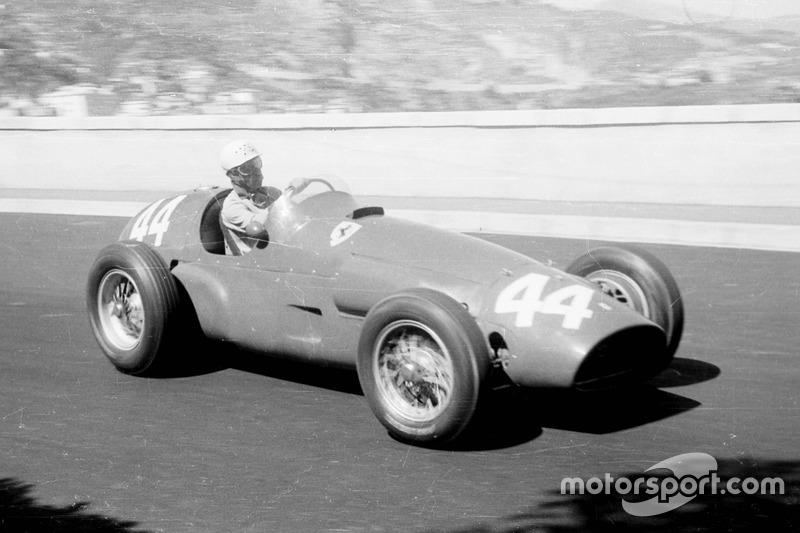 2: Maurice Trintignant, 37 años, 6 meses y 22 días en el GP de Mónaco 1955