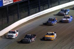 Kaz Grala, GMS Racing Chevrolet, Noah Gragson, Kyle Busch Motorsports Toyota y Ryan Truex, Hattori R