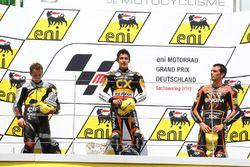 Podium : le vainqueur Marc Marquez, le deuxième, Stefan Bradl, le troisième, Alex de Angelis