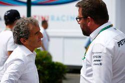 Alain Prost met Gwen Lagrue van Mercedes