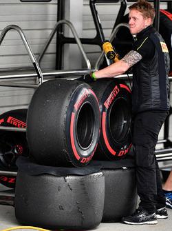 Pirelli engineer and Pirelli tyres