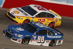 Dale Earnhardt Jr., Hendrick Motorsports Chevrolet, Joey Logano, Team Penske Ford