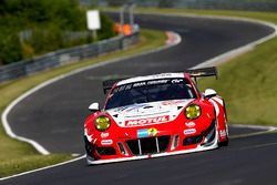 №31 Frikadelli Racing Team, Porsche 991 GT3-R: Микаэль Кристенсен, Лукас Лур, Клаус Бахлер, Норберт
