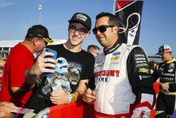 Sam Hornish Jr., Team Penske Ford with fans