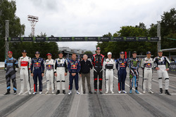 All drivers with Jean Todt, FIA President
