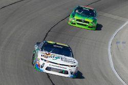 Blake Koch, Kaulig Racing Chevrolet e Darrell Wallace Jr., Biagi-DenBeste Racing Ford