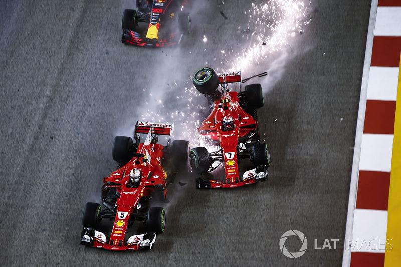 Kimi Raikkonen, Ferrari SF70H choca a Sebastian Vettel, Ferrari SF70H y Max Verstappen, Red Bull Racing RB13