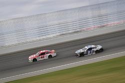 Kyle Larson, Chip Ganassi Racing Chevrolet, Brett Moffitt, BK Racing Toyota