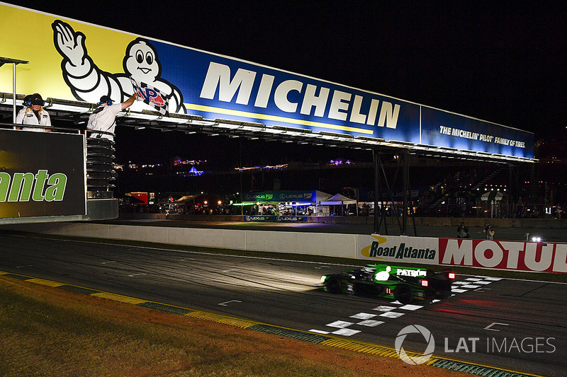 #2 Tequila Patrón ESM Nissan DPi: Scott Sharp, Ryan Dalziel, Brendon Hartley takes the win