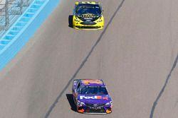 Denny Hamlin, Joe Gibbs Racing, Toyota Camry FedEx Freight y Brad Keselowski, Team Penske, Ford Fusi