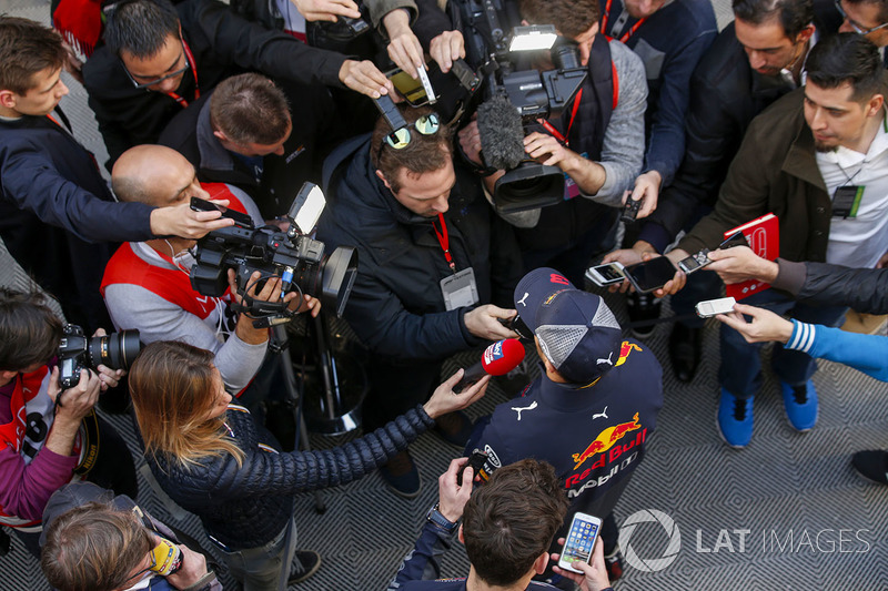 Daniel Ricciardo, Red Bull Racing with medias