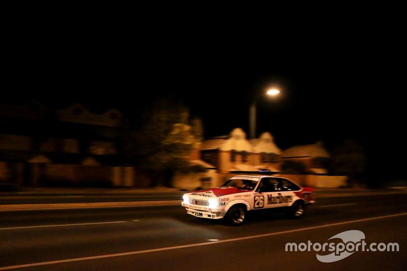 Promotiestunt voor het Adelaide Motorsport Festival