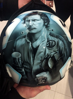 Helm von Jeffrey Earnhardt, StarCom Racing Chevrolet, in Erinnerung an Dale Earnhardt