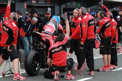Marco Melandri, Aruba.it Racing-Ducati SBK Team Pirelli tyre change