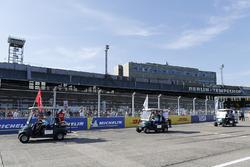 Nick Heidfeld, Mahindra Racing, Lucas di Grassi, Audi Sport ABT Schaeffler, Daniel Abt, Audi Sport ABT Schaeffler, lors de la parade des pilotes