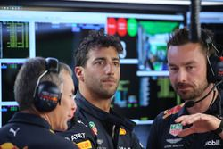 Daniel Ricciardo, Red Bull Racing con ingenieros