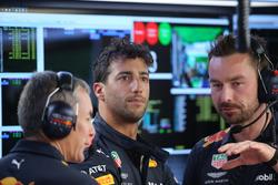 Daniel Ricciardo, Red Bull Racing avec les mécaniciens