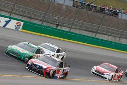 Kyle Busch, Joe Gibbs Racing, Toyota Camry Snickers Intense Paul Menard, Wood Brothers Racing, Ford Fusion Menards / Quaker State