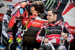 #5 Monster Energy Honda Team Honda: Joan Barreda, #6 Monster Energy Honda Team Honda: Paulo Goncalve