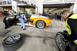 Pit stop, #8 Lambda Performance Ford GT Lambda: Nico Verdonck, Frank Kechele, Csaba Walter, Daniel K
