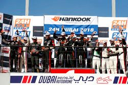 Podium 991-AM: Winnaars #67 race:pro motorsport Porsche 991-II Cup: James Thorpe, Sean Mc Inerney, P
