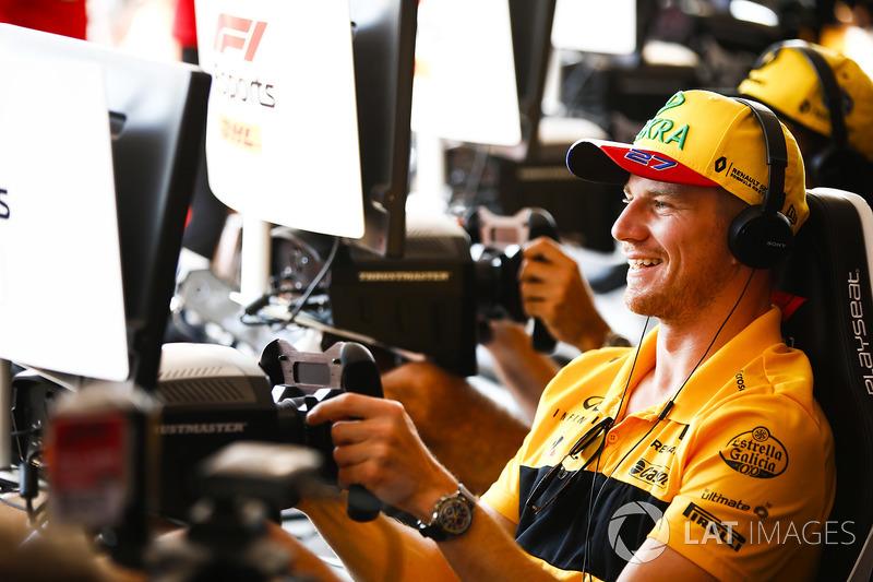 Nico Hulkenberg, Renault Sport F1 Team, tries teh F1 eSports
