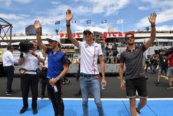 Pierre Gasly, Scuderia Toro Rosso, Esteban Ocon, Force India F1 and Romain Grosjean, Haas F1 on the drivers parade